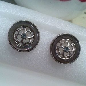 Vintage round 4 leaf clover clip-on earrings EVC